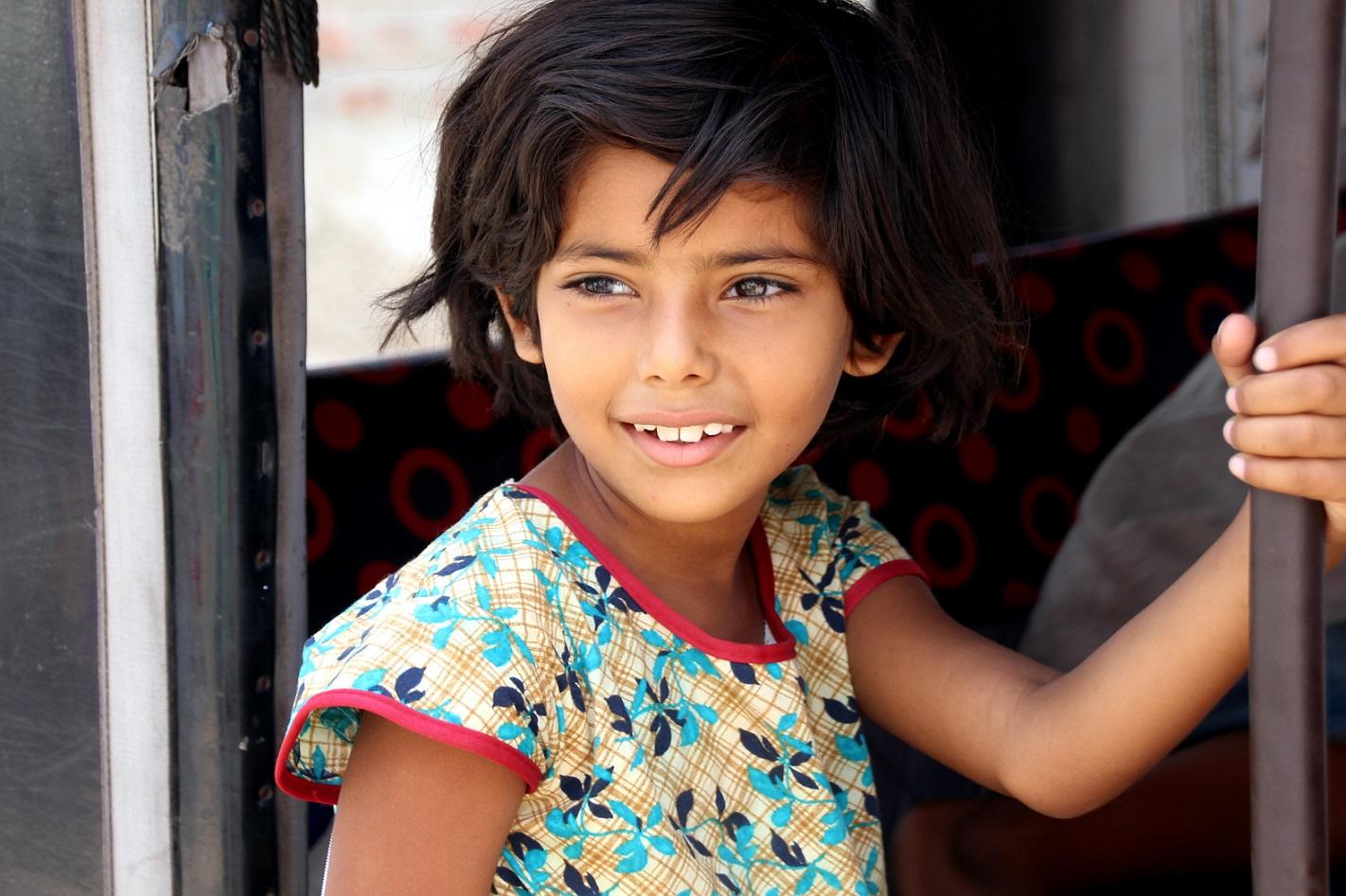 Strahlendes Mädchen Indien Bild